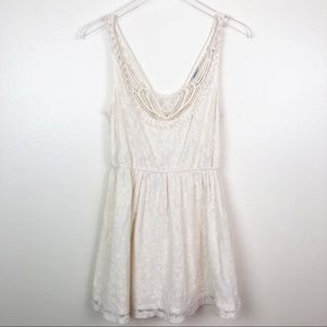 FOREVER 21 l Boho Lace Mini Dress